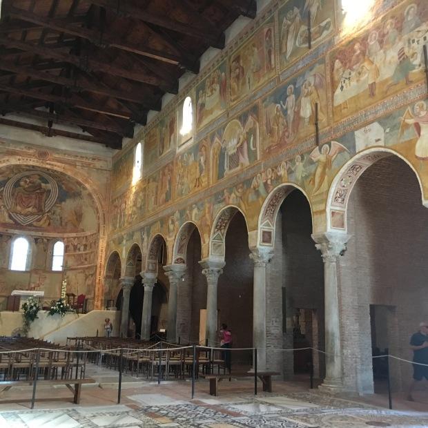 Navata abbazia Pomposa ferrara