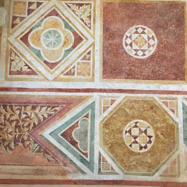 Dettaglio facciata abbazia Pomposa ferrara
